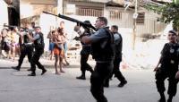 Foulspiel in Brasilien: Wie FIFA und Militärpolizei einen Krieg gegen die Armen führen